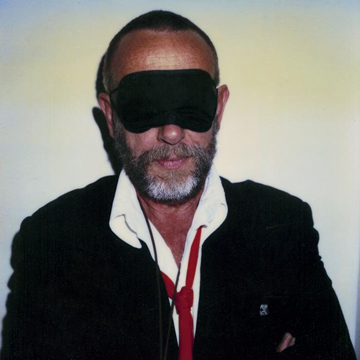 Das Bild zeigt ein Portrait von Ed van der Elsken von Freddy Langer