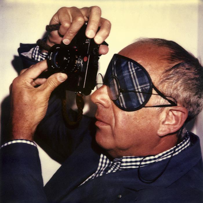 Das Bild zeigt ein Portrait von Ralph Gibson von Freddy Langer