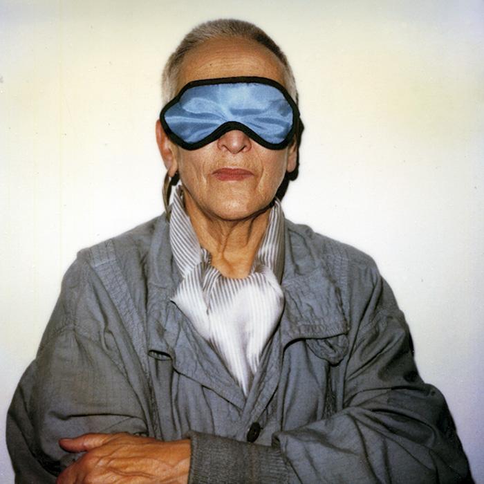 Das Bild zeigt ein Portrait von Meret Oppenheim von Freddy Langer