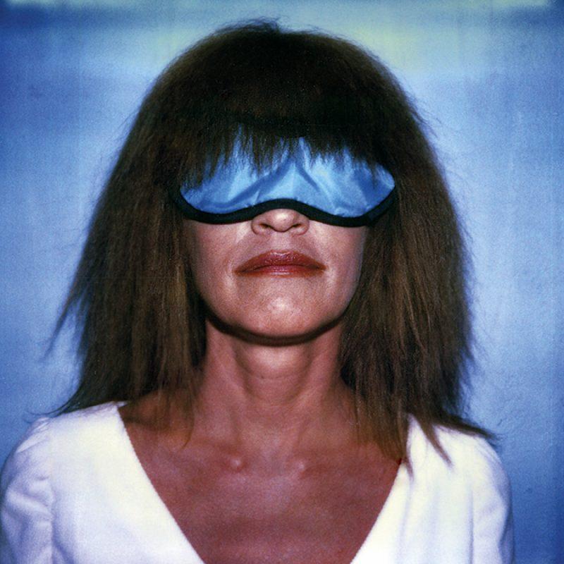 Das Bild zeigt ein Portrait von Carla Bley von Freddy Langer