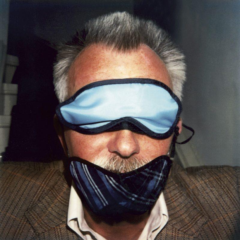 Das Bild zeigt ein Portrait von Robert Lebeck von Freddy Langer
