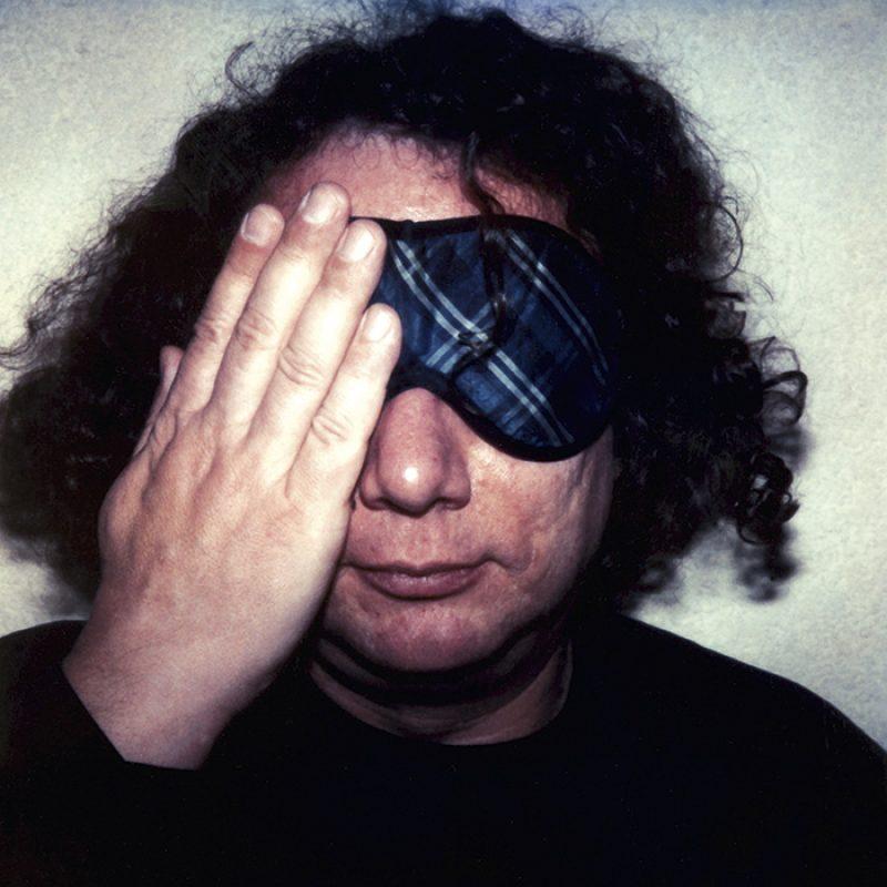 Das Bild zeigt ein Portrait von Ingo Schulze von Freddy Langer